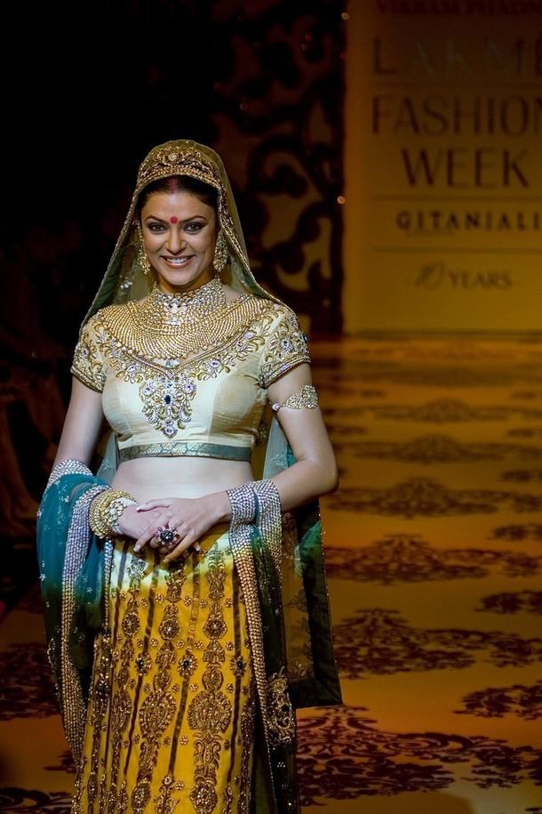 sexy Videos von Sushmita Sen